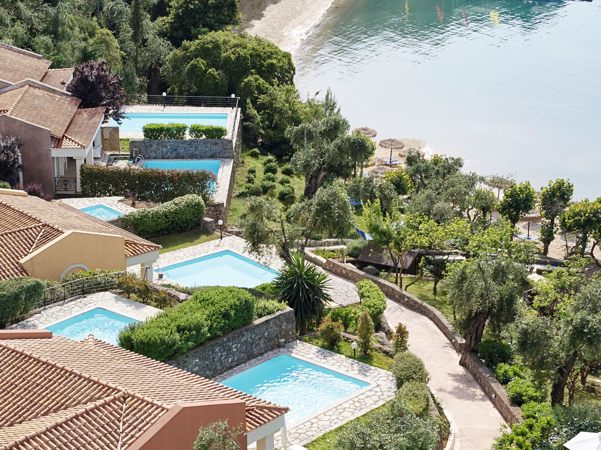 https://cms.satur.sk/data/imgs/tour_image/orig/08-palazzina-villa-with-2-private-pools_72dpi-1946650.jpg