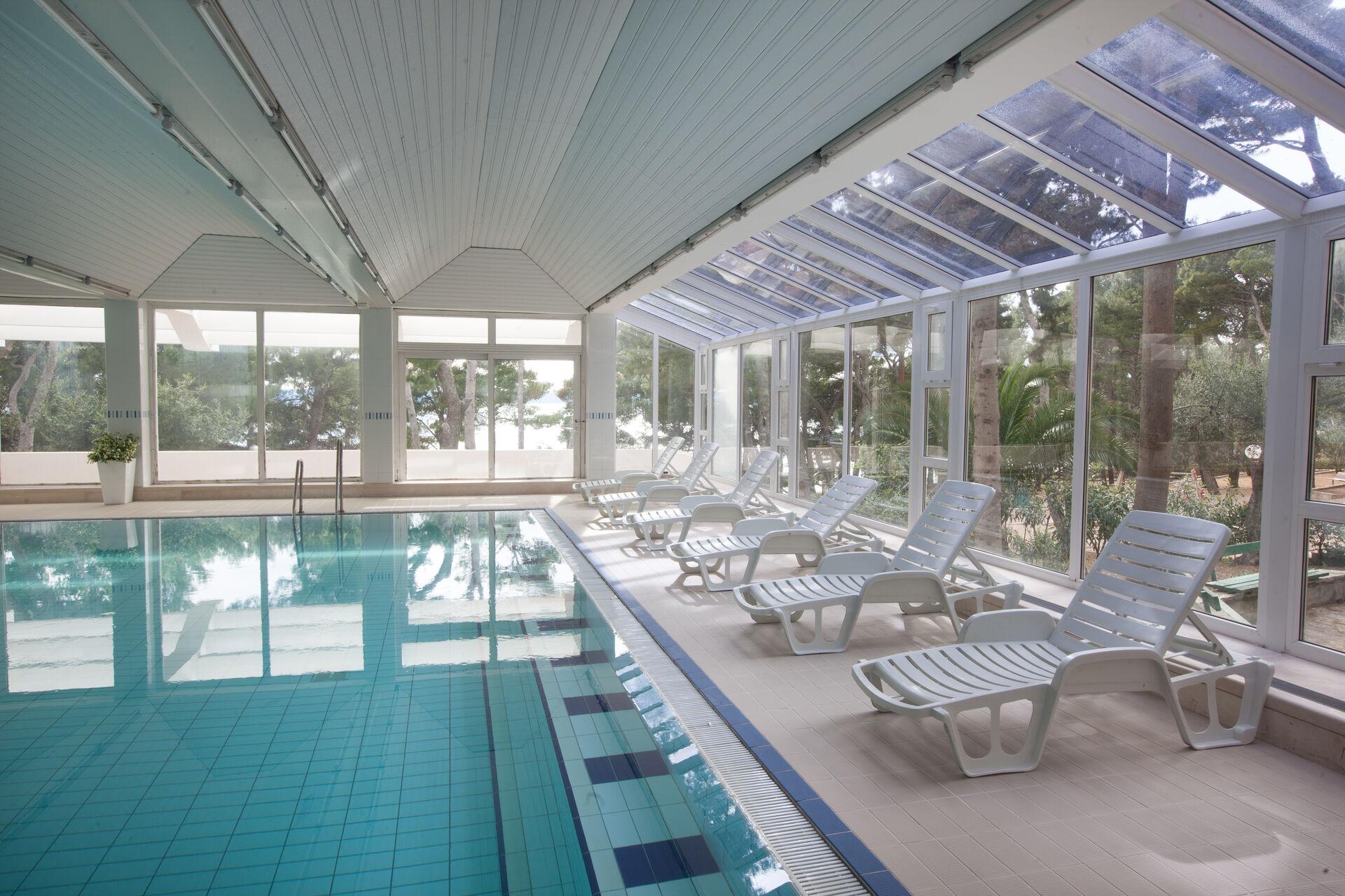 https://cms.satur.sk/data/imgs/tour_image/orig/10-swimming-pool-1938255.jpg