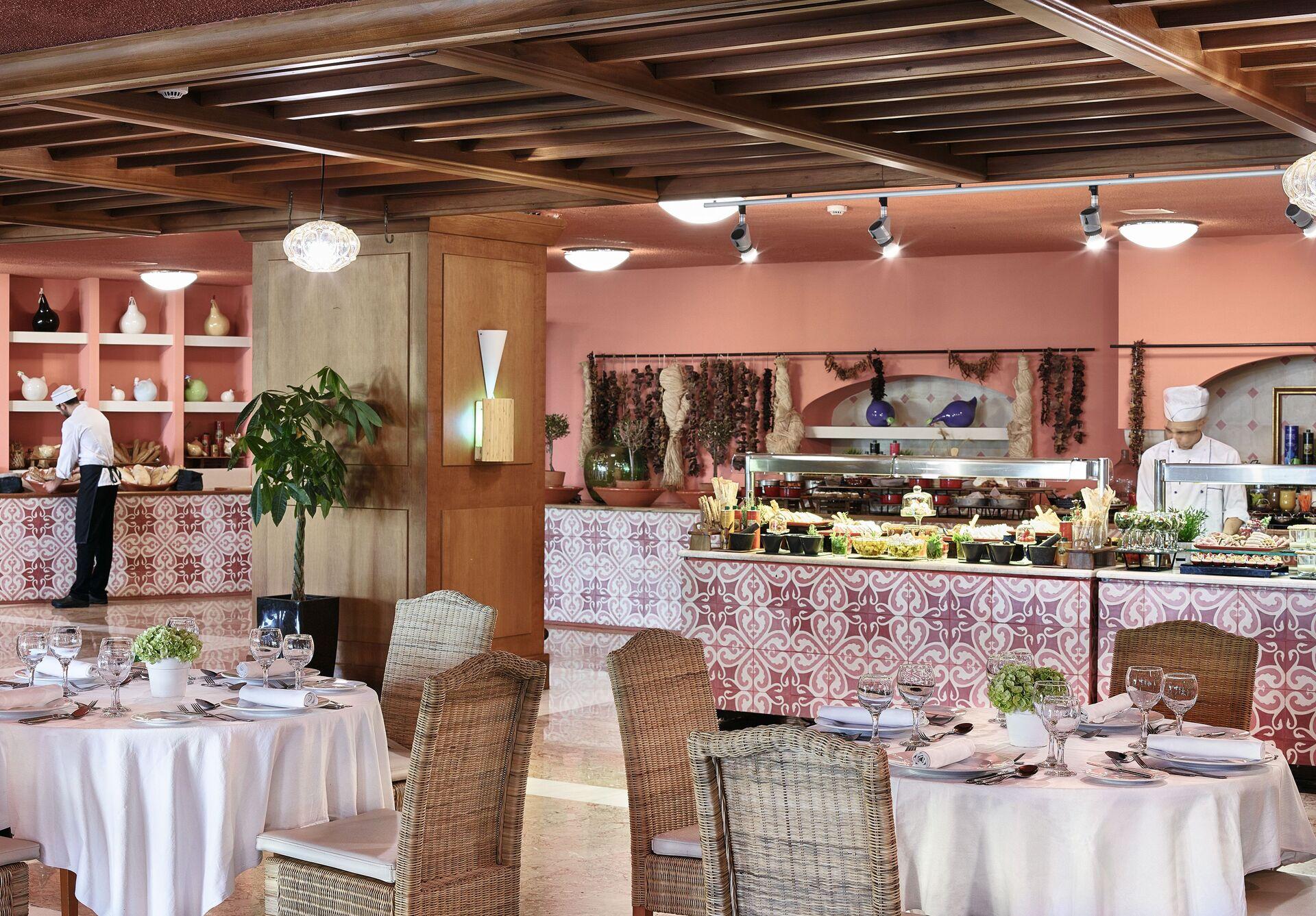 https://cms.satur.sk/data/imgs/tour_image/orig/12-antica-cucina-restaurant_72dpi-1924851.jpg