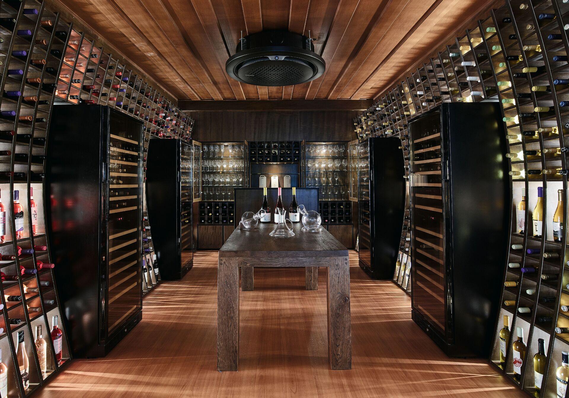 https://cms.satur.sk/data/imgs/tour_image/orig/13-il-barreto-cava-wines-wine-tasting-room_72dpi-1924852.jpg