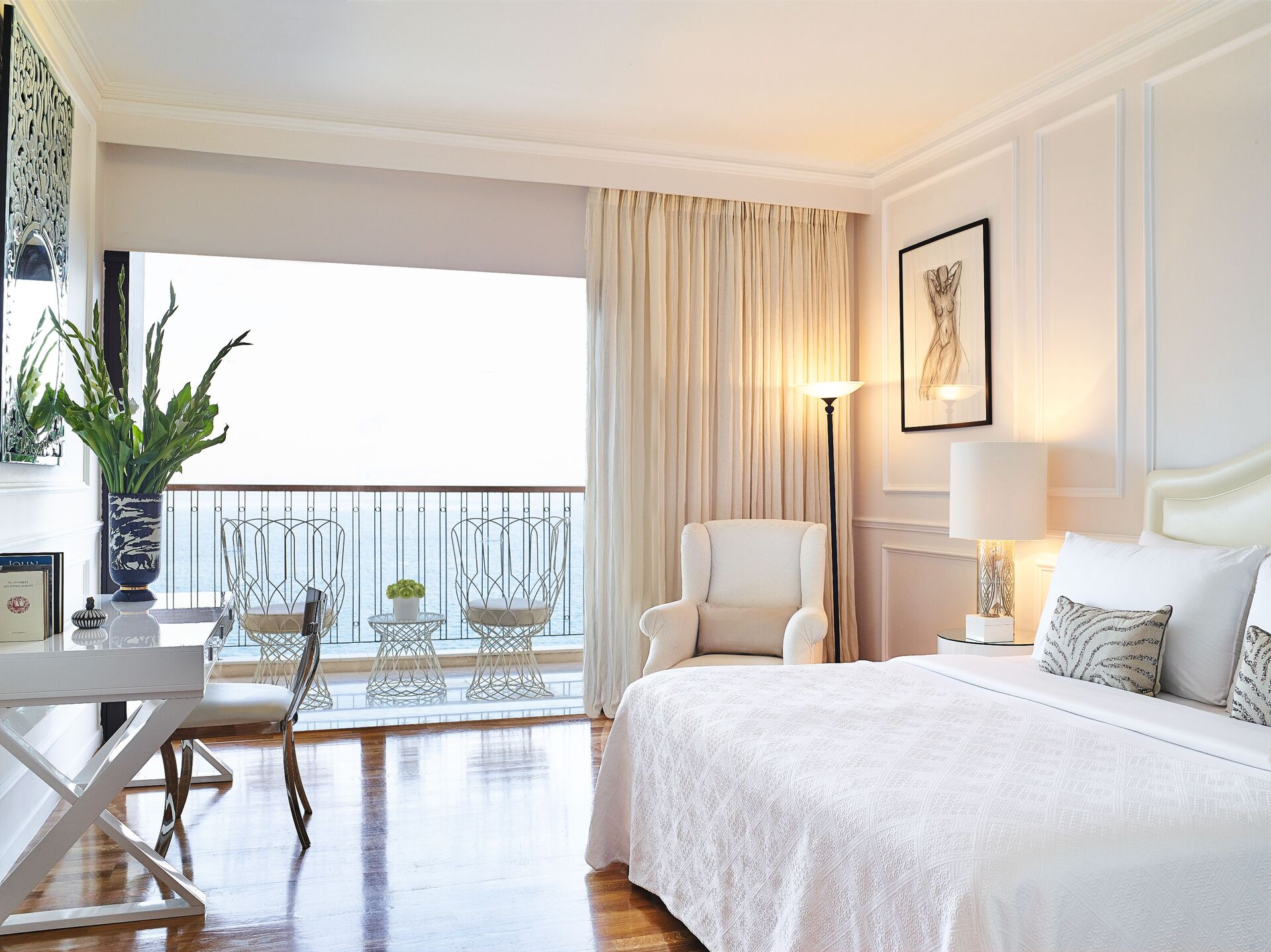 https://cms.satur.sk/data/imgs/tour_image/orig/21-cruise-guestroom-sea-view_72dpi-1-1943085.jpg