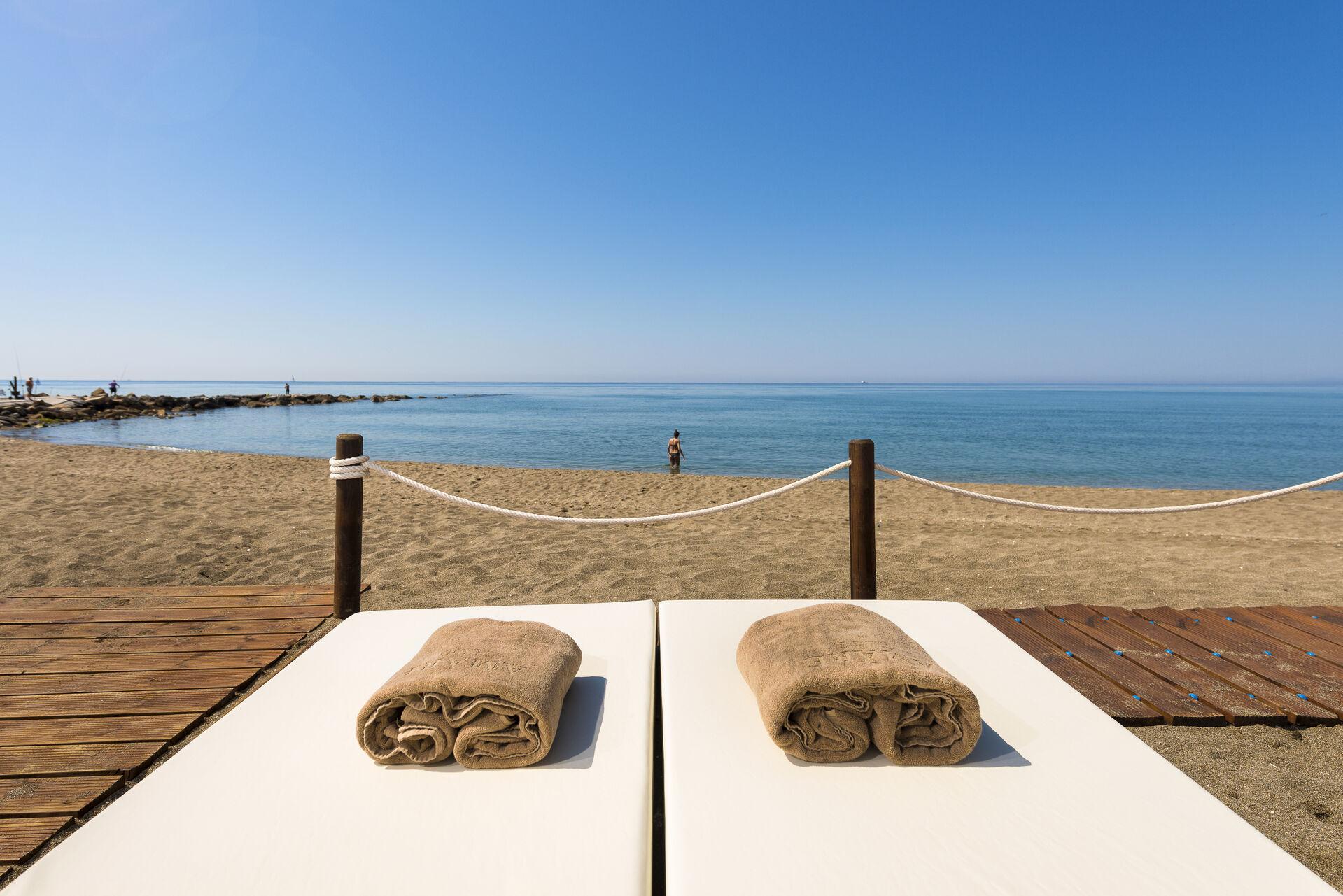 https://cms.satur.sk/data/imgs/tour_image/orig/amare-marbella-beach-camas-3-1972169.jpg