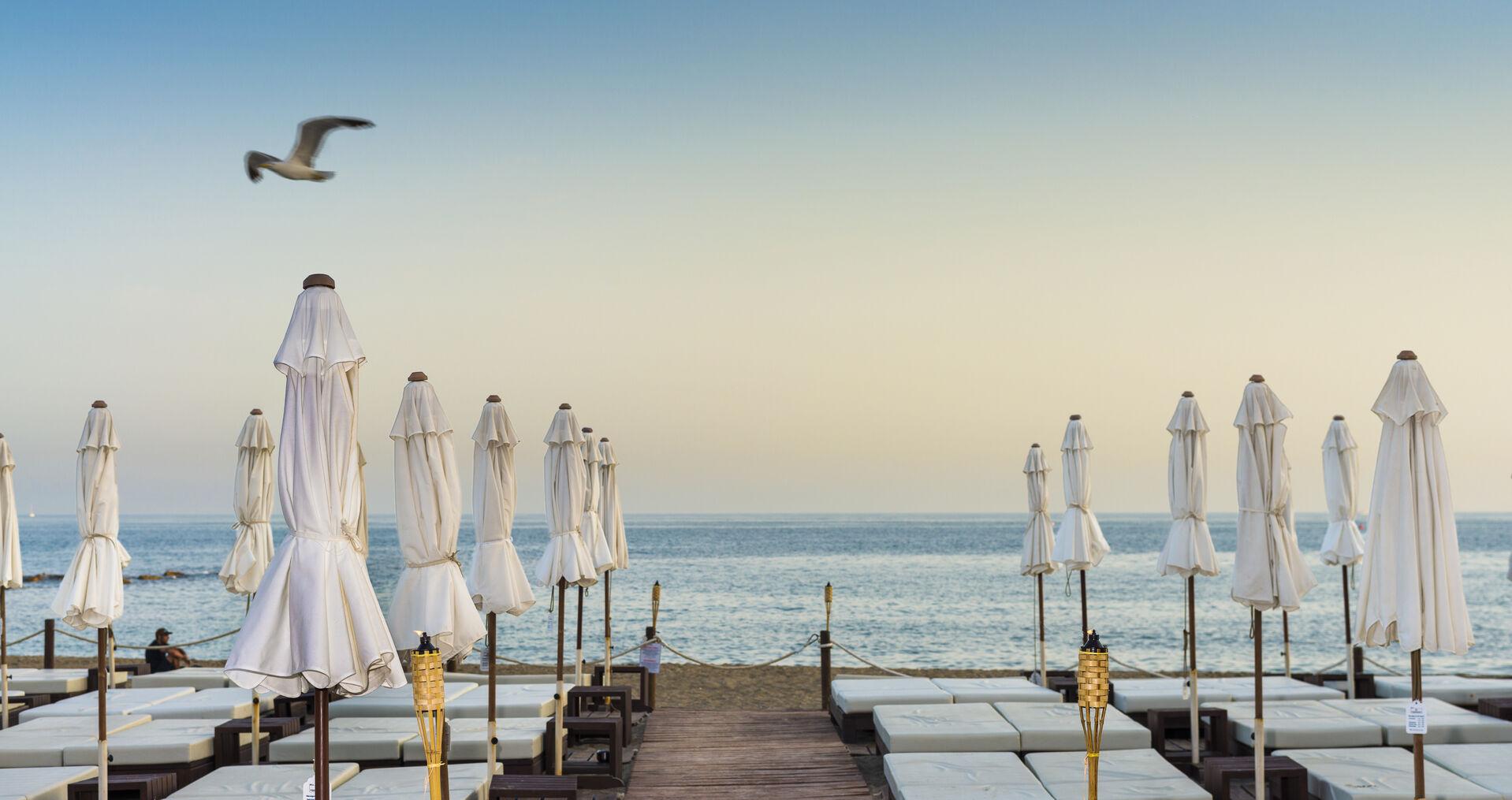 https://cms.satur.sk/data/imgs/tour_image/orig/amare-marbella-beach-camas-atardecer-1972168.jpg