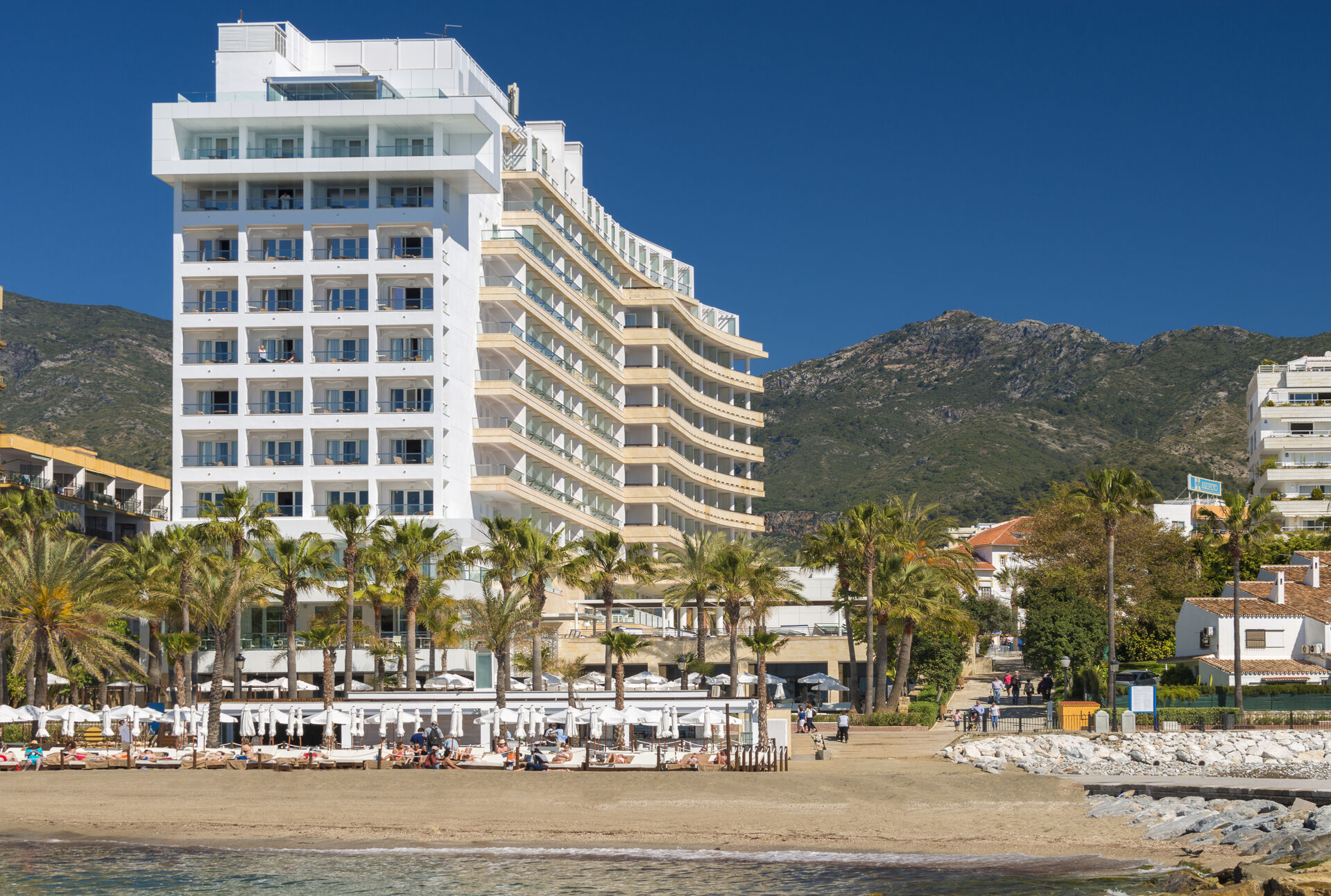 https://cms.satur.sk/data/imgs/tour_image/orig/amare-marbella-instalaciones-fachada-vistas-desde-mar-1-1972155.jpg