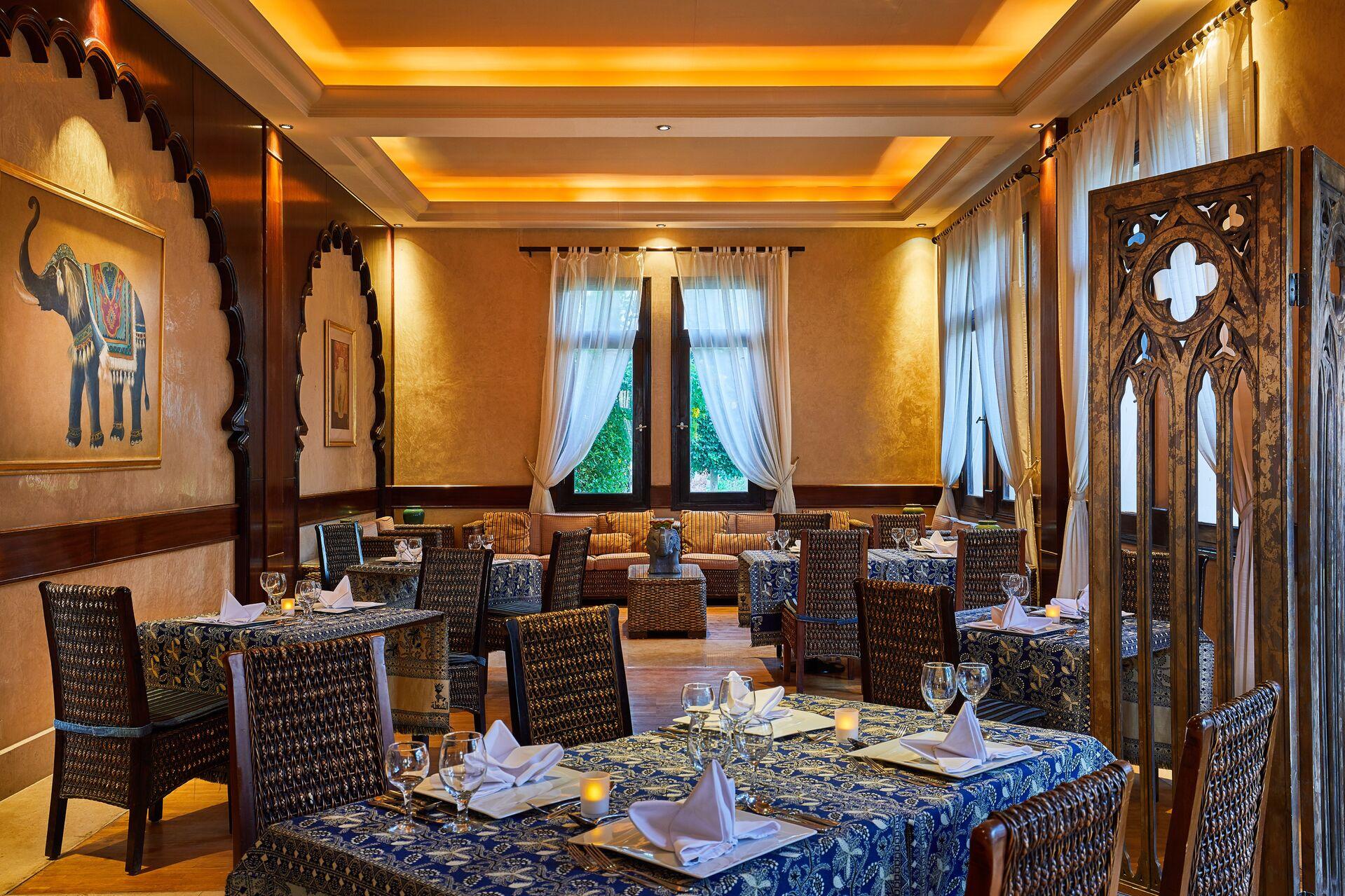 https://cms.satur.sk/data/imgs/tour_image/orig/amaya-restaurant-indian-cuisine-À-la-carte-restaurant-020118-1947526.jpg