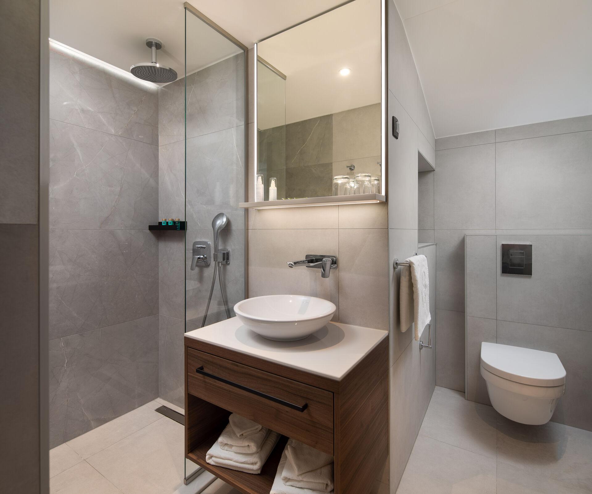 https://cms.satur.sk/data/imgs/tour_image/orig/bathroom_hotel-noemia-3-1949940.jpg