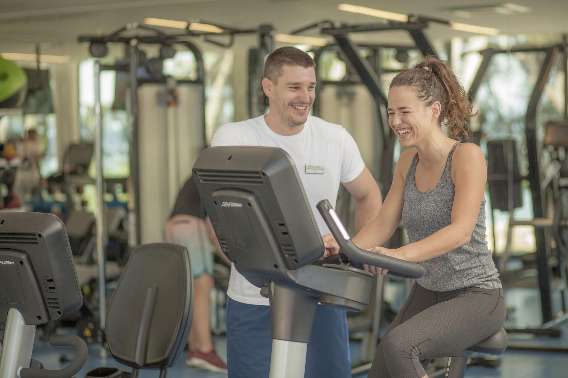 https://cms.satur.sk/data/imgs/tour_image/orig/bluesun_berulia-fitness-instructor-2-1956621.jpg