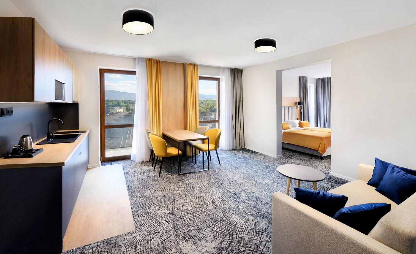 https://cms.satur.sk/data/imgs/tour_image/orig/c-marek-hajkovsky-foto-hotel-aquamarin-2021-apartman_2-1985683.jpg