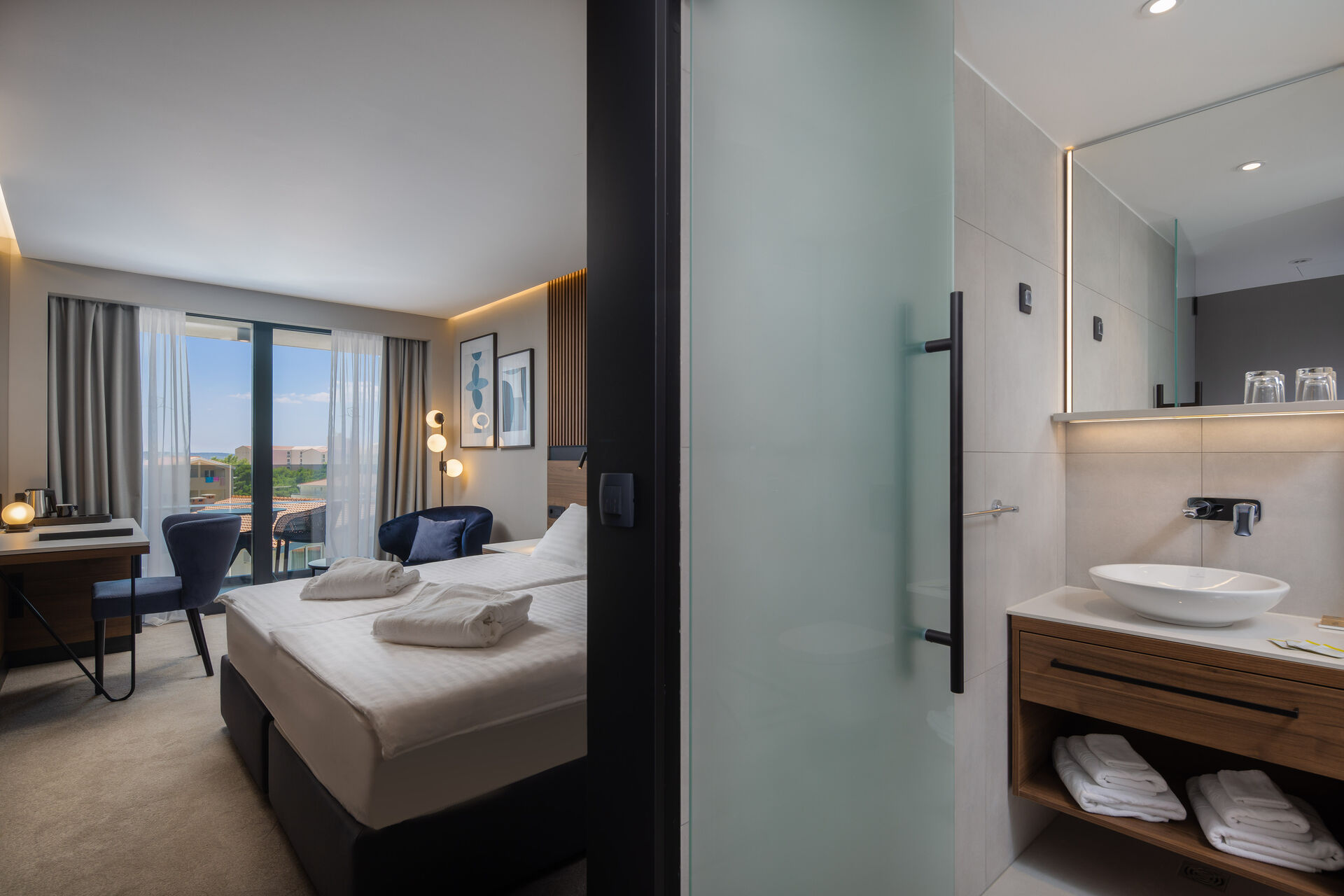 https://cms.satur.sk/data/imgs/tour_image/orig/double-room-with-balcony_hotel-noemia-2-1949949.jpg
