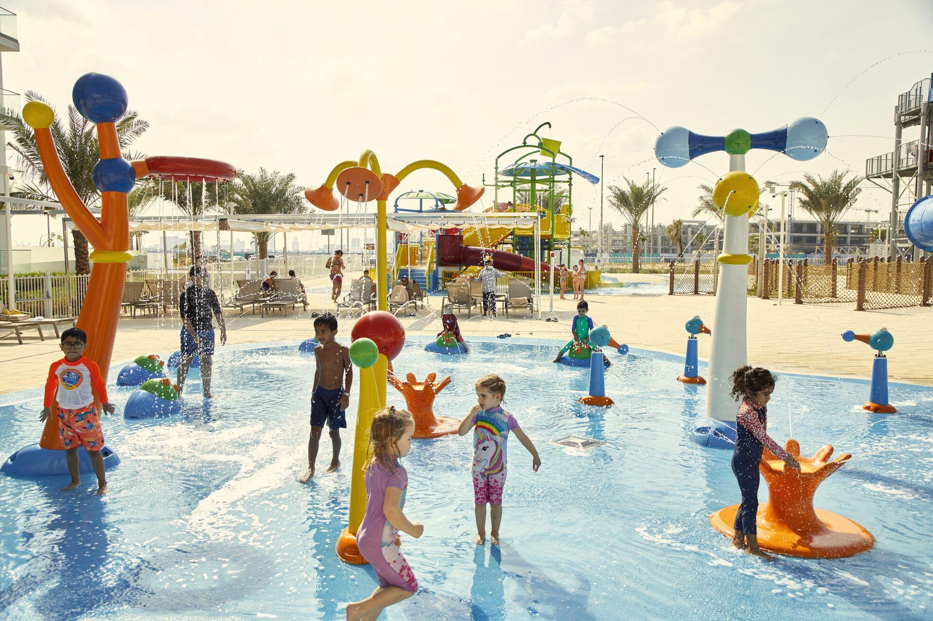 https://cms.satur.sk/data/imgs/tour_image/orig/dub_20_036-splash-childrens-playground-1939865.jpg
