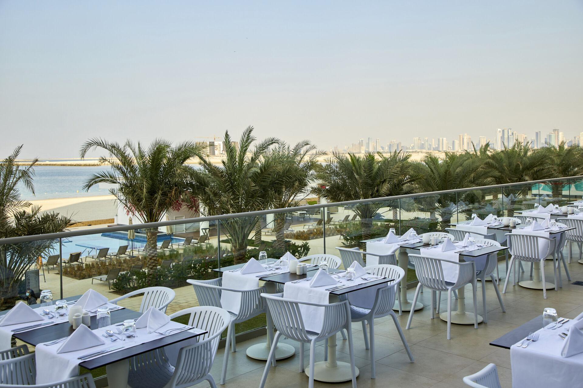 https://cms.satur.sk/data/imgs/tour_image/orig/dub_20_074-main-restaurant-terrace-1939871.jpg