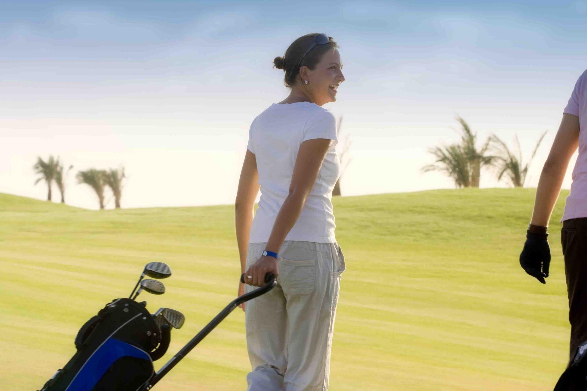 https://cms.satur.sk/data/imgs/tour_image/orig/golf-course-1947530.jpg