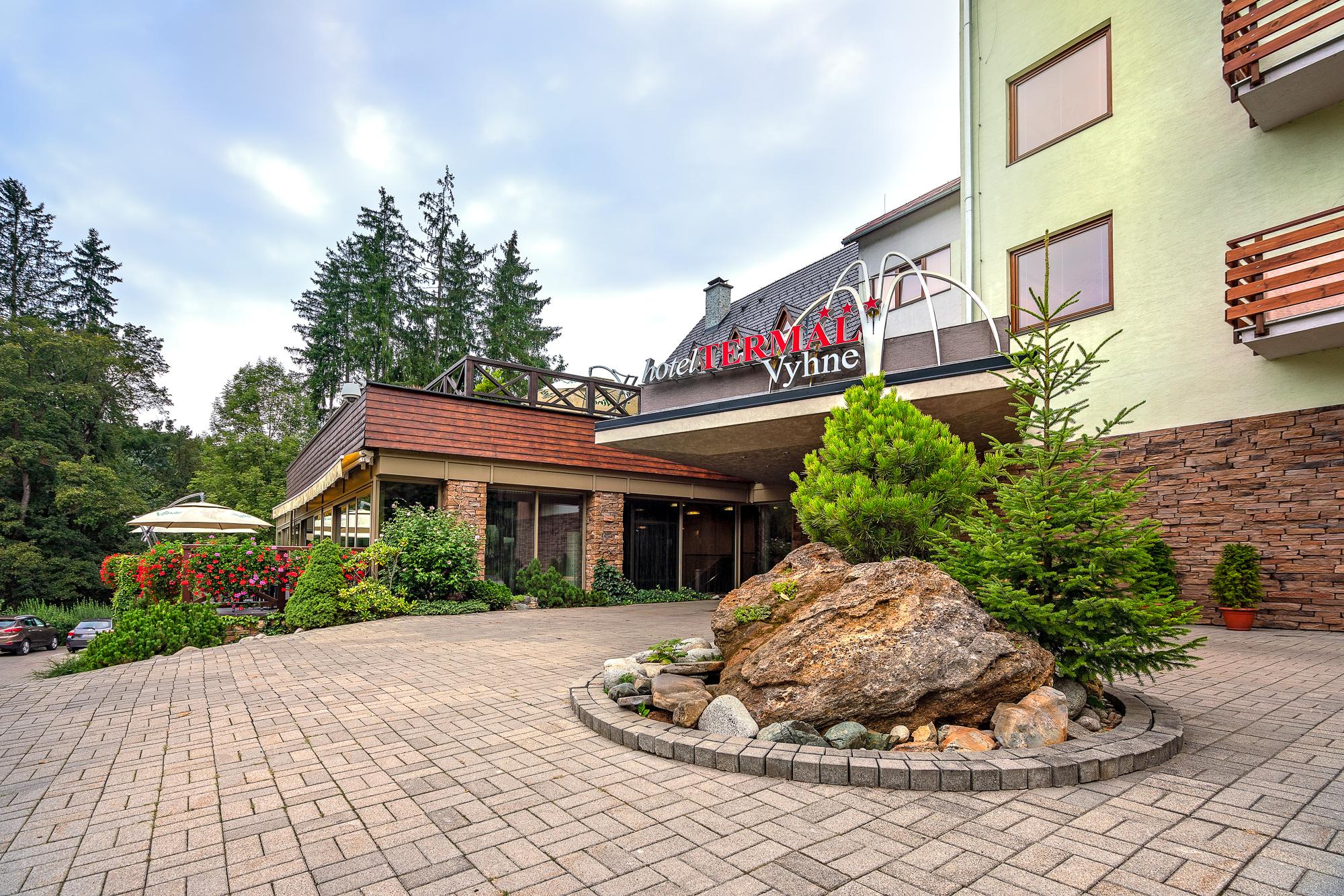 https://cms.satur.sk/data/imgs/tour_image/orig/hotel_termal_vyhne-19-1802504.jpg