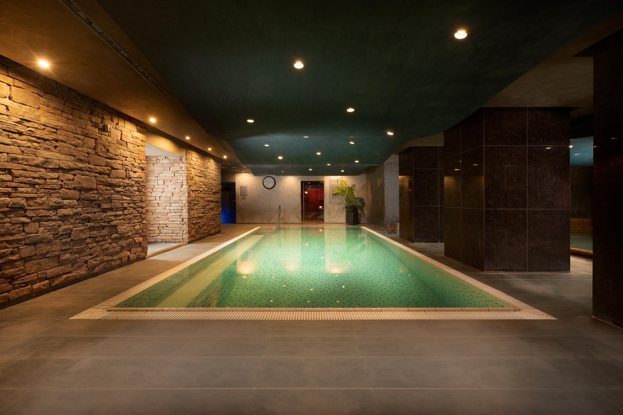 https://cms.satur.sk/data/imgs/tour_image/orig/hotel_termal_vyhne-2-1802498.jpg