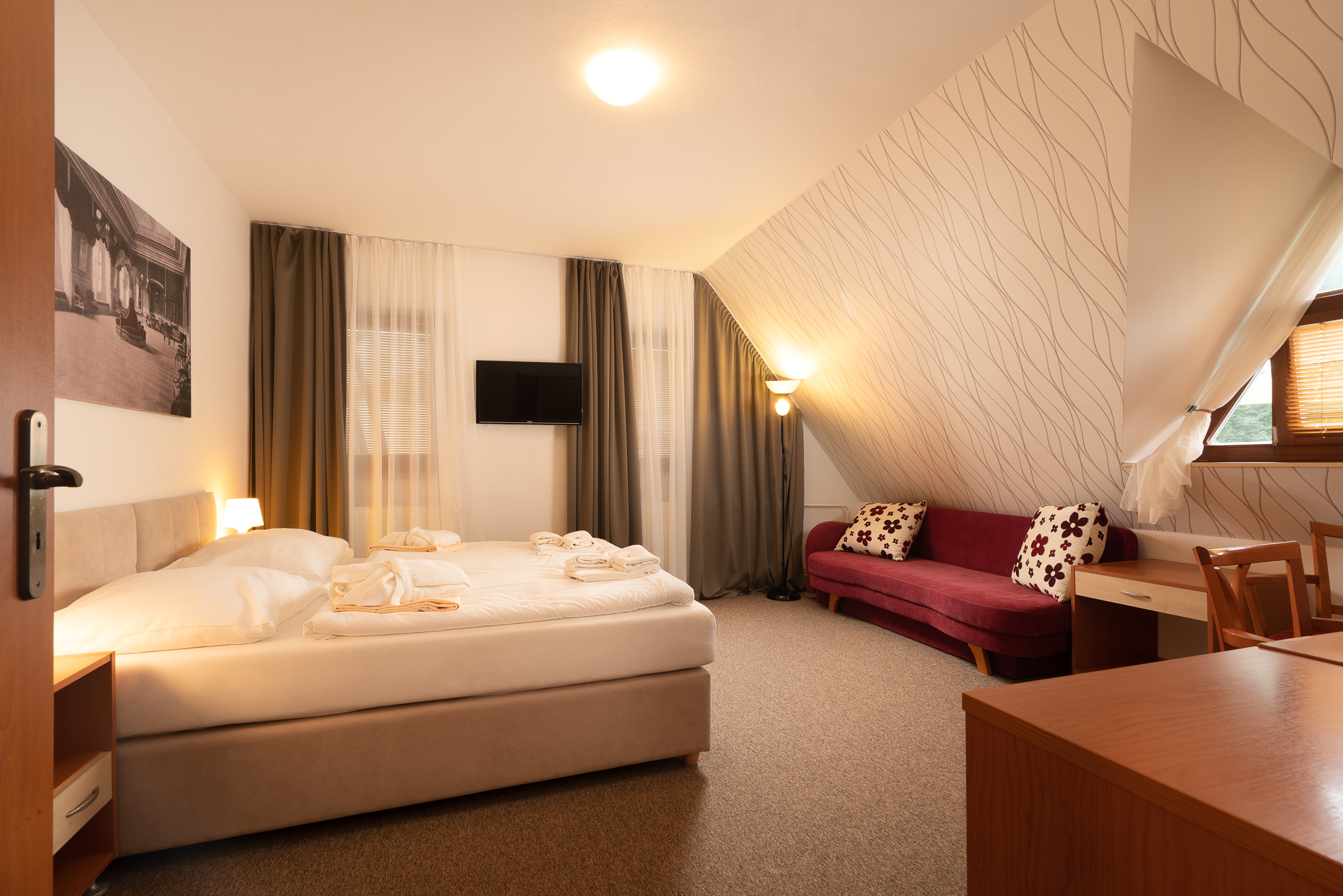 https://cms.satur.sk/data/imgs/tour_image/orig/hotel_termal_vyhne-40-1802508.jpg