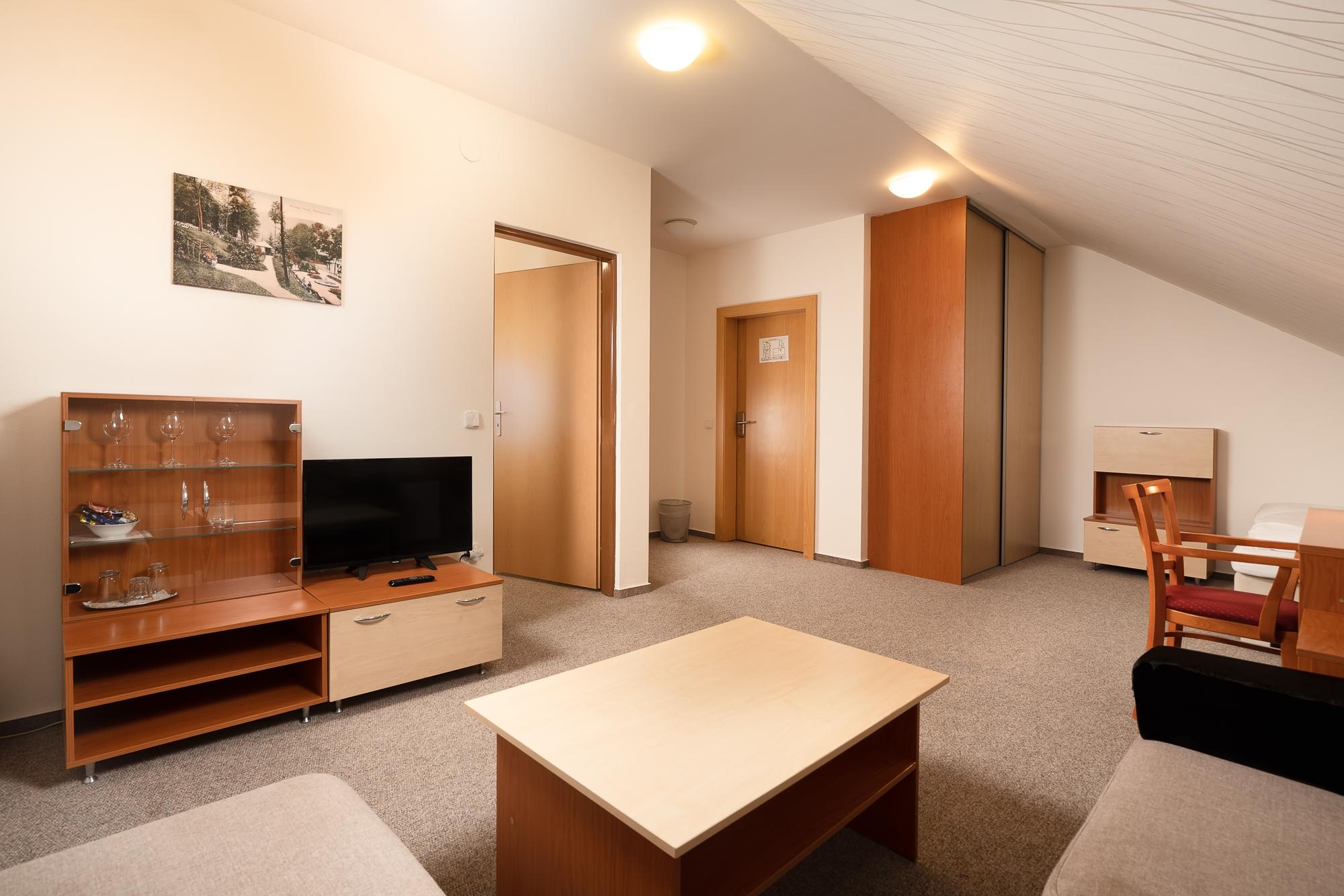 https://cms.satur.sk/data/imgs/tour_image/orig/hotel_termal_vyhne-42-1802509.jpg