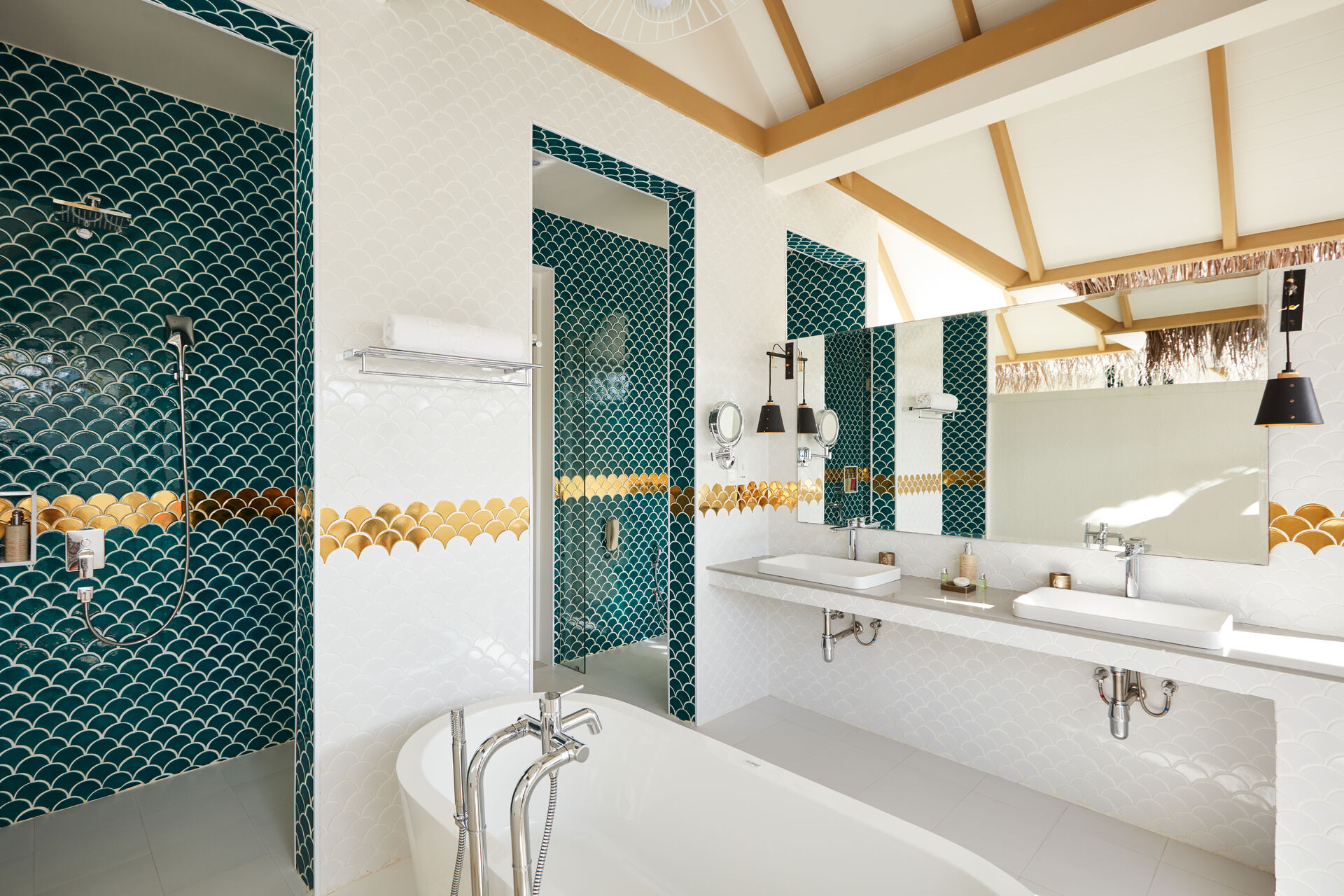 https://cms.satur.sk/data/imgs/tour_image/orig/iruveli_beach_suite_with_pool-1939695.jpg