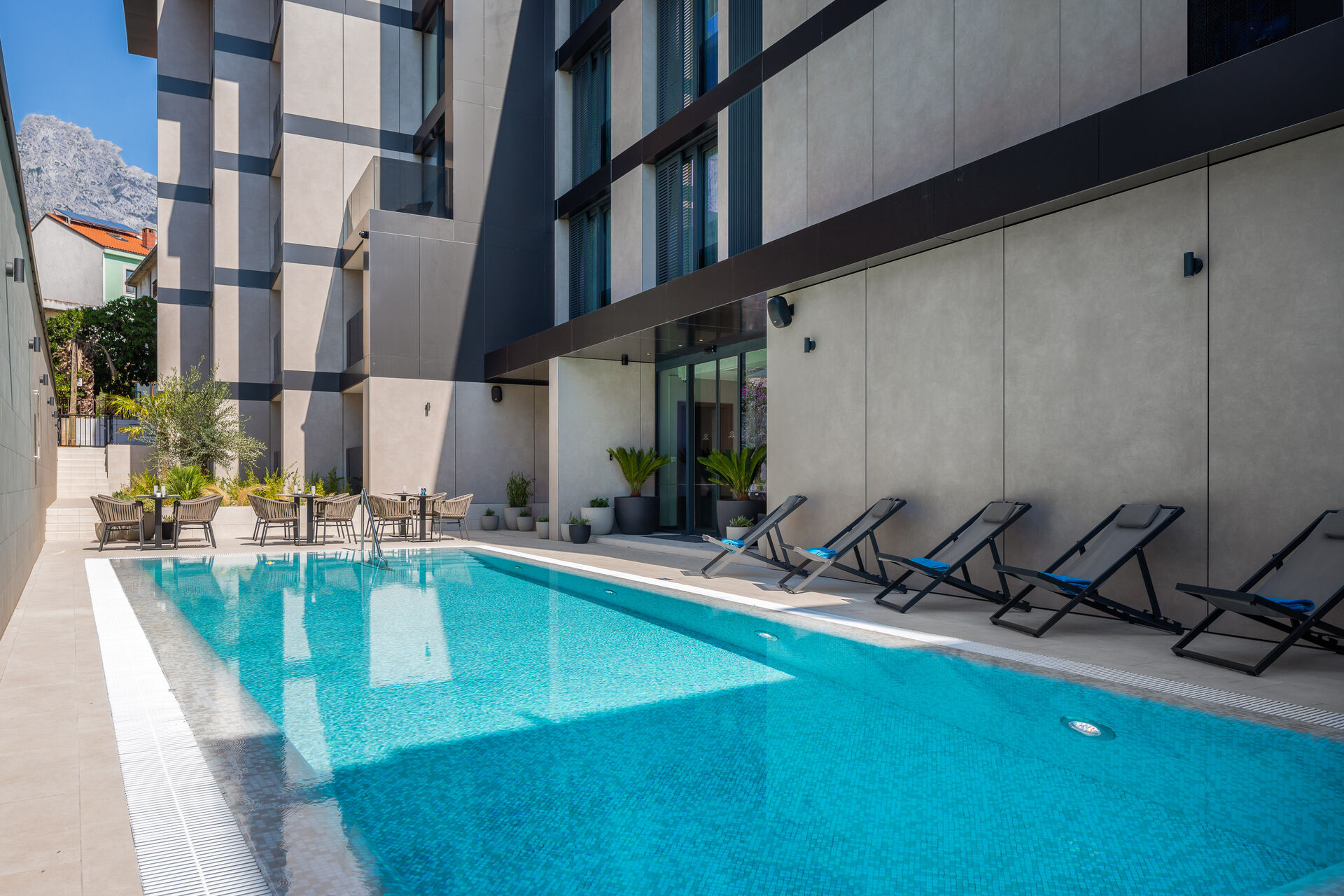https://cms.satur.sk/data/imgs/tour_image/orig/outdoor-pool_hotel-noemia-1-1949956.jpg