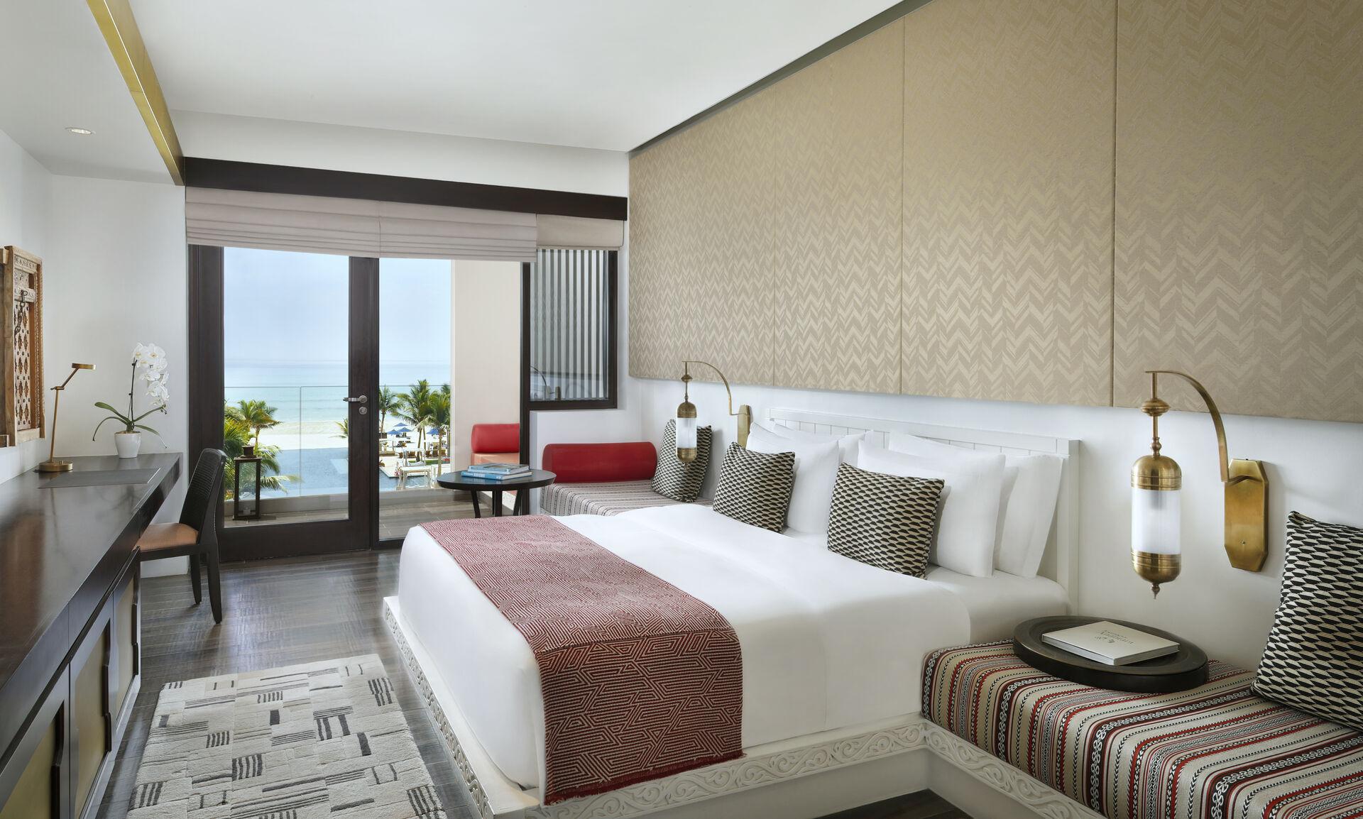 https://cms.satur.sk/data/imgs/tour_image/orig/premier-sea-view-bedroom2-al-baleed-resort-salalah-by-anantara-1939939.jpg