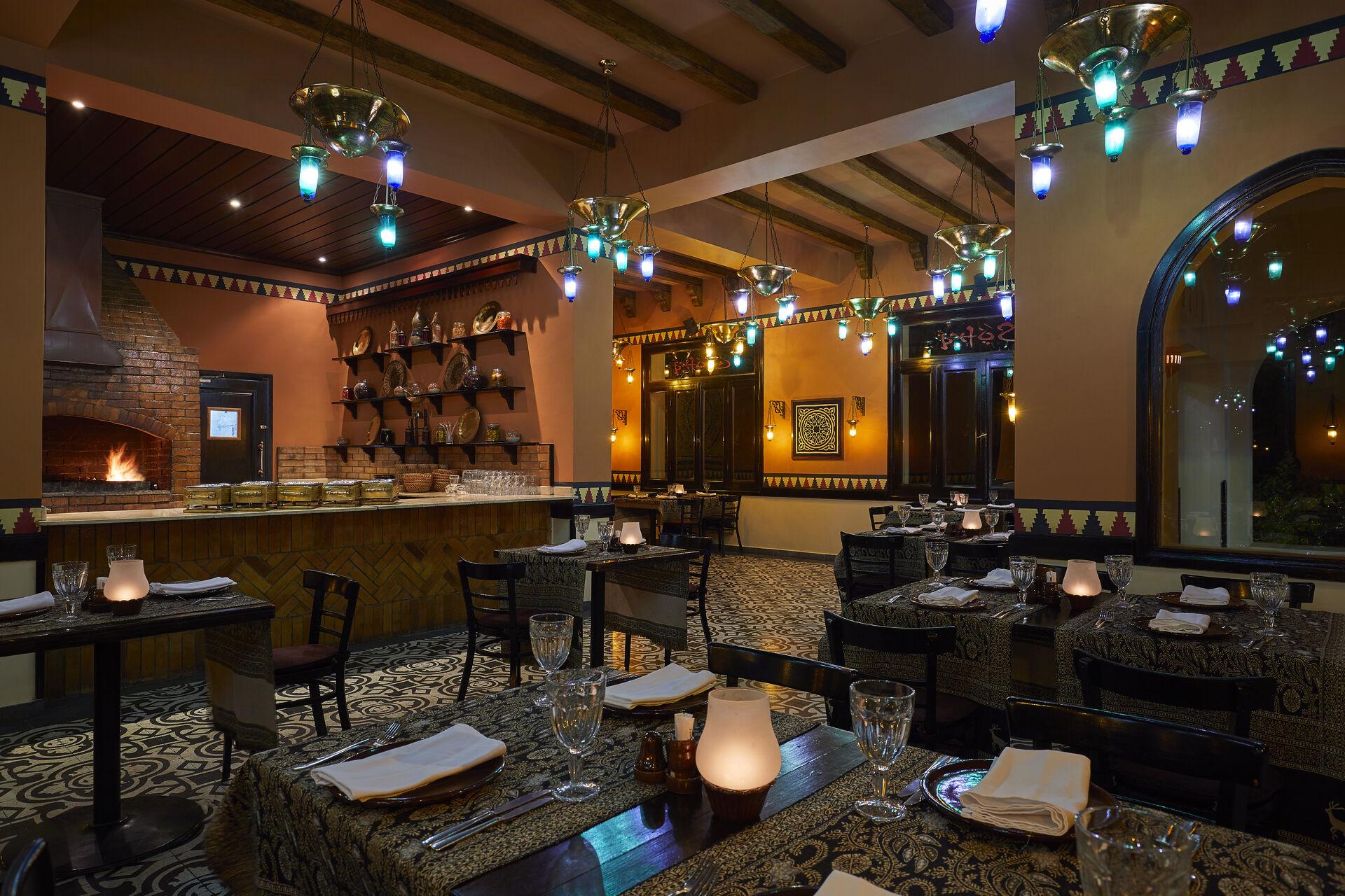 https://cms.satur.sk/data/imgs/tour_image/orig/sofra-oriental-a-la-carte-restaurant-020118-1947561.jpg