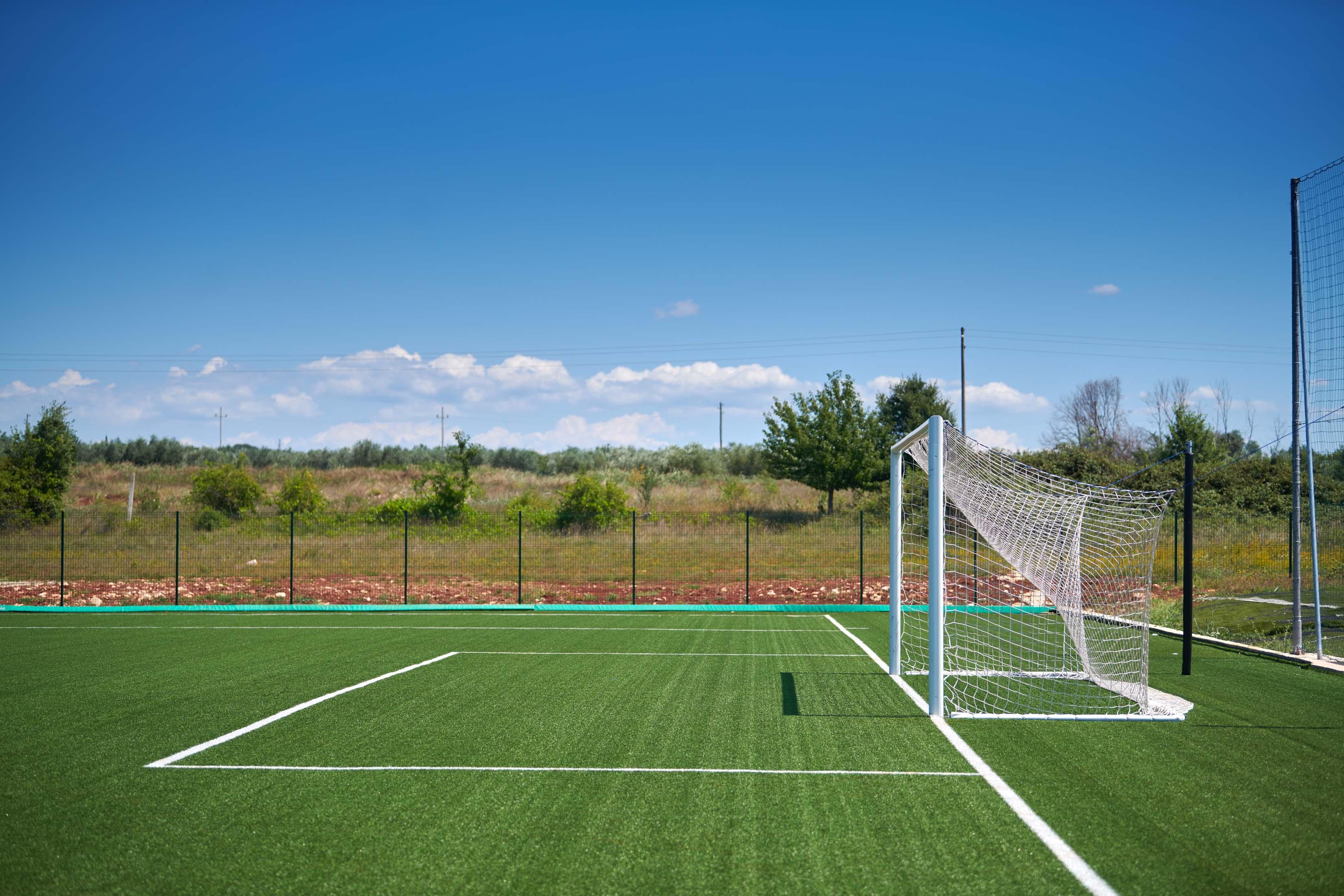 https://cms.satur.sk/data/imgs/tour_image/orig/stella_maris_resort_plava_laguna_2020_sport_facilities_soccer_-2-1800580.jpg