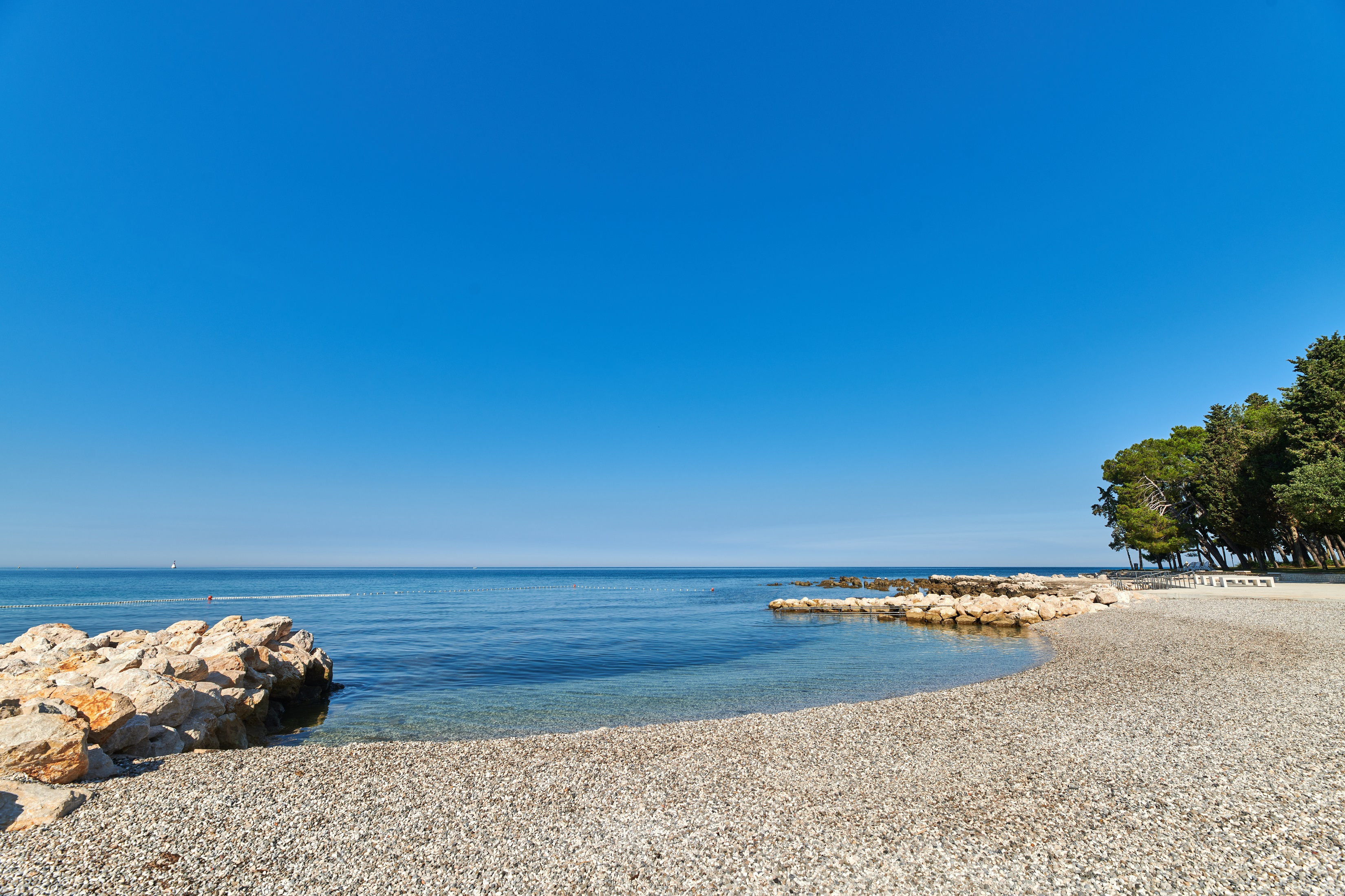 https://cms.satur.sk/data/imgs/tour_image/orig/stella_maris_resort_plava_laguna_2020_villas_beach-resized-1800592.jpg