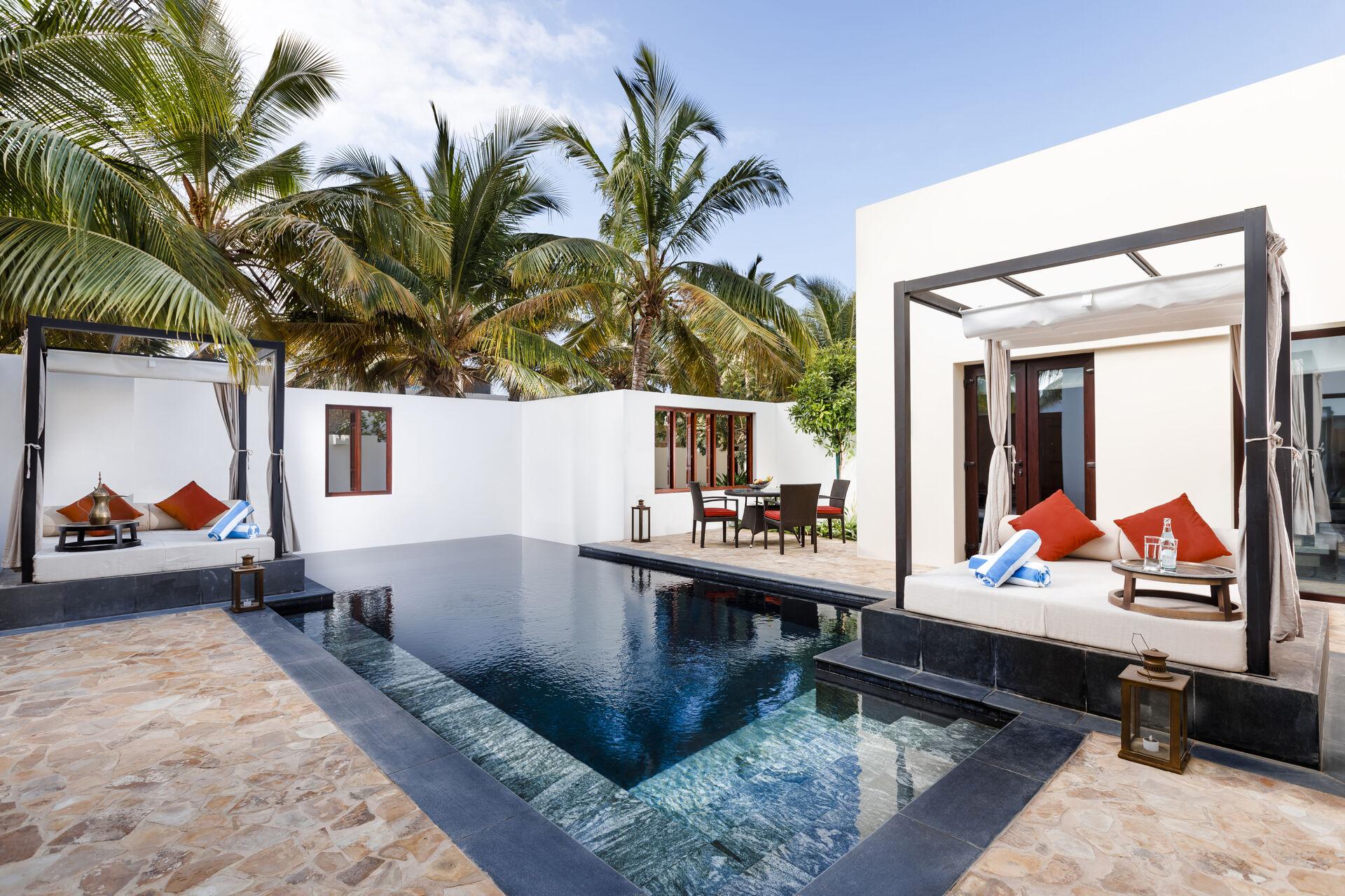 https://cms.satur.sk/data/imgs/tour_image/orig/two-bedroom-garden-view-pool-villa-2-1939940.jpg